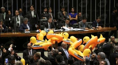 브라질 노동계 연금개혁·아웃소싱에 반발…총파업 움직임
