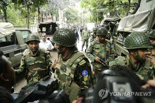 방글라 '이슬람 극단주의자 은신처'서 폭발로 40여명 사상