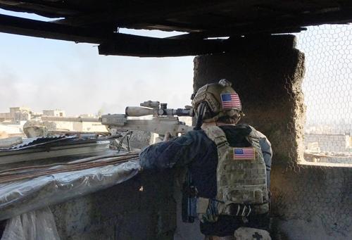 美특수부대, 현지군 검은색 대테러복으로 위장 모술전투 참가