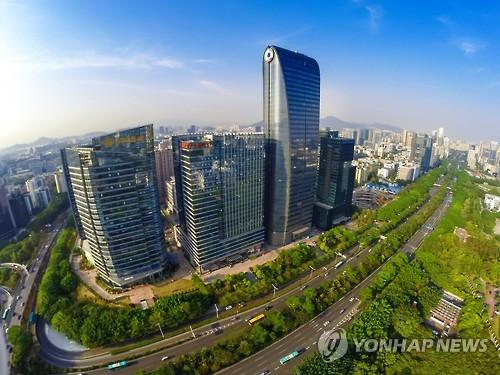 中 텐센트 미래형車에 공격적 투자…테슬라 지분 5% 매입