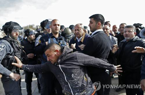 """이스라엘, 단식농성 1천여명 팔' 재소자에 """"협상없다"""" 강경 대응"""
