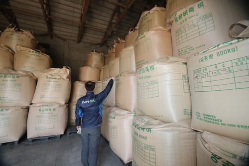 [남아도는 쌀]② 곳간마다 쌀, 쌀, 쌀…무려 351만t '사상 최대'