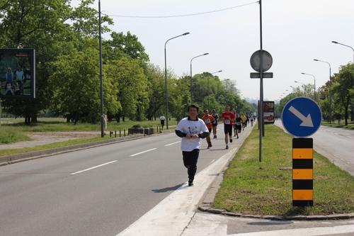 유대종 세르비아 대사, 평창올림픽 홍보 위해 마라톤 도전