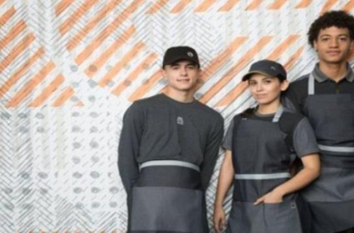 SNS 달군 맥도날드 새 유니폼…북한군이 만들었나?