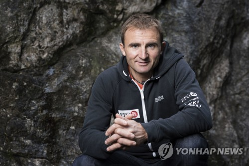 유명 스위스 등반가 에베레스트에서 사망