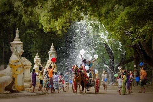 '아세안 문화관광 사진전' 1등에 미얀마 나잉툰랏 씨