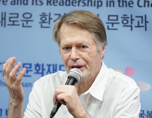 """르 클레지오 """"상상력과 감성 충만한 서울 배경으로 소설 쓰는중"""""""