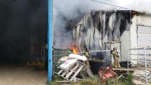 익산 한 마을창고서 불…1천여만원 피해