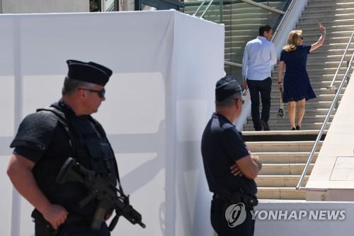 칸 영화제, 경쟁작 절반공개 '중반전'…맨체스터 테러로 경계↑