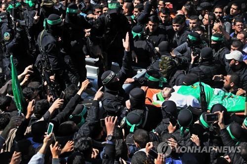 하마스, 군지휘관 암살 용의자 3명 처형