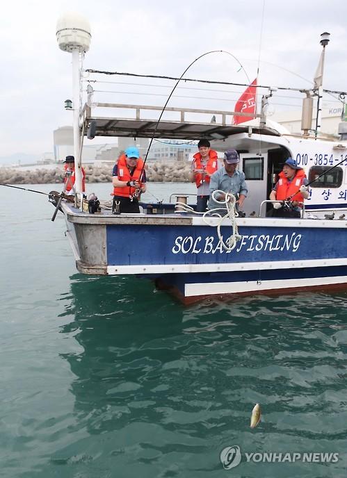 바다낚시, 해양레저로 인기…이용객·매출 모두 늘어