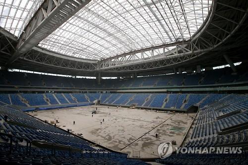 """FIFA """"北 근로자들 러시아 월드컵 경기장 건설에 투입돼"""""""