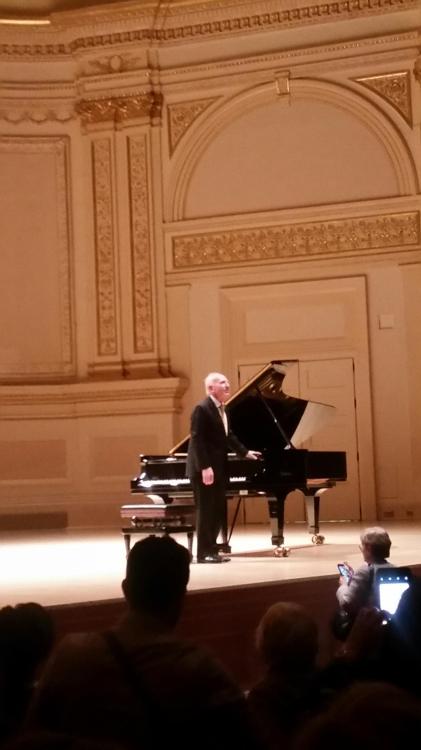 '다시 쇼팽으로'…카네기홀 전석매진된 75세 폴리니의 연주회