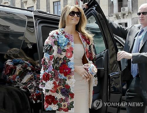 G7 정상회의, '극과 극' 영부인 패션도 눈길(종합)