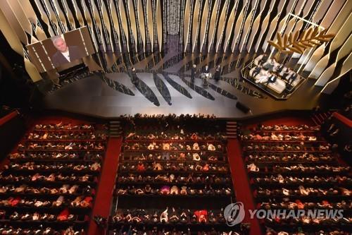 칸영화제 폐막…'무관'의 한국영화, 고른 호평 속 외연 확대