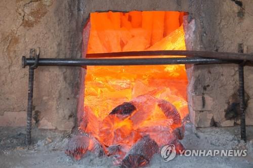 [주말 N 여행] 충청권: 얼굴에 숯가루 바르고 '셀카 놀이'…진천 참숯..