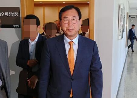 선거법 위반 혐의 괴산군수 첫 공판부터 법리 공방 치열