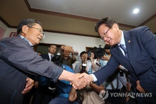 """서주석 국방차관 """"사드 기지 환경영향평가 주민 참여 보장"""""""