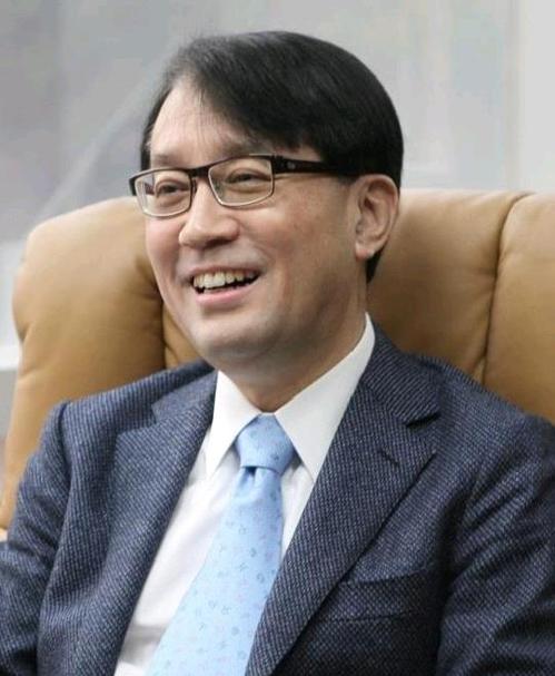 김성근 교수팀, 퀴노프탈론 염료 '색 바래지 않는 원인' 규명