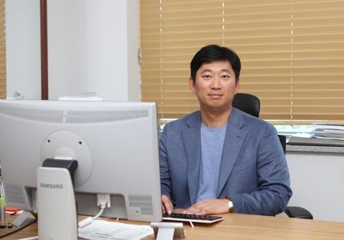 [동정] 신한승 동국대 교수, 식품안전관리 유공자 포장