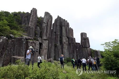 무등산권 세계지질공원 실사 이틀째…주상절리대 현장평가