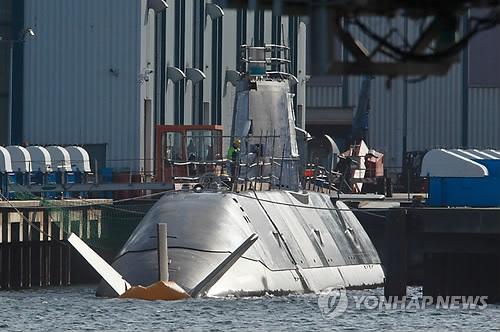 이스라엘 '잠수함 구매비리' 수사 확대…총리 측근 체포