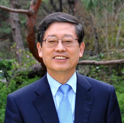 김황식 전 총리, 안중근의사숭모회 이사장 취임