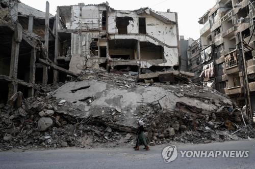 시리아 반군, 다마스쿠스 인근 정부군 습격…군인 28명 사망
