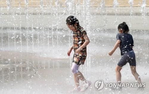 전북 대체로 흐리고 폭염 기승…최고기온 34도 예상