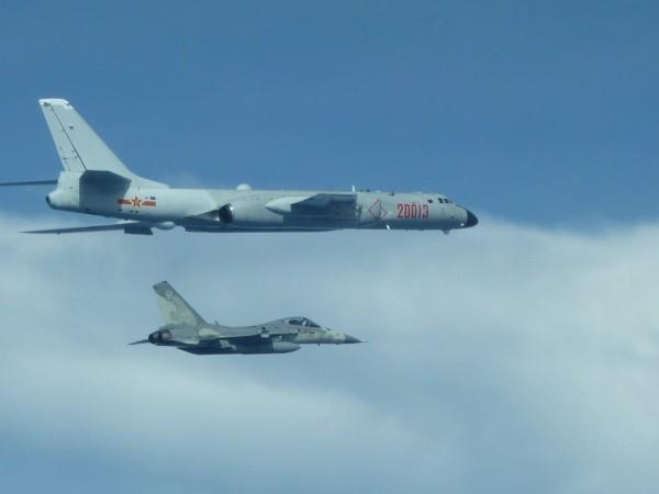 中전략폭격기 편대, 서태평양 진출…일본·대만 전투기 긴급발진