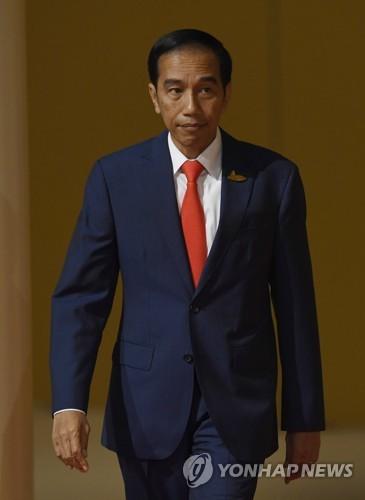 """""""저항하면 쏴라"""" 인도네시아, '두테르테식' 마약범 사살 명령"""