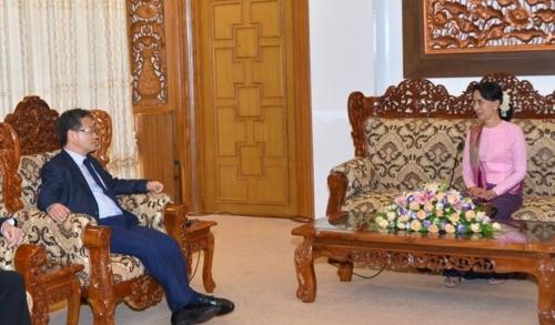 """""""美관리, 北과 아직도 거래하는 미얀마에 관계끊으라 압박했다"""""""