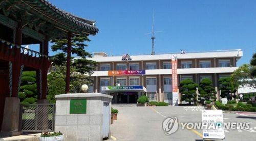 """""""서산시는 SNS 전쟁 중""""…민원인들 시장에 '문자폭탄'"""
