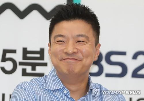 """김생민 """"팟캐스트로 공중파 진출…이번에도 10년 하고 싶죠"""""""