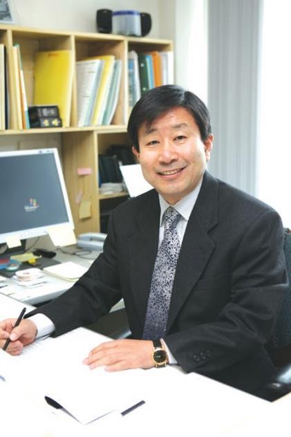 [동정] 인문한국(HK)연구소협의회장에 김성민 건국대 교수