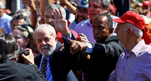 브라질 룰라 전 대통령 연방법원 2차 출두…부패혐의 조사