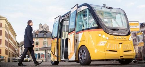 스위스, 운전기사 없는 '자율주행 버스' 확대 추진