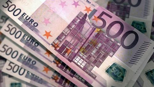 스위스 식당 화장실 변기서 훼손된 500유로 지폐 뭉칫돈 발견