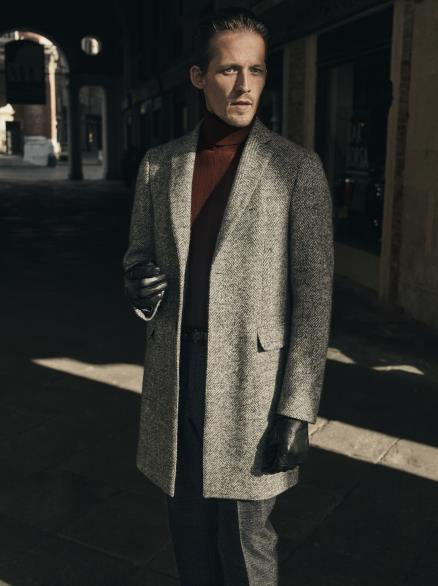 """패션업계 """"올해 가을·겨울 유행 색은 레드…패턴은 체크"""""""