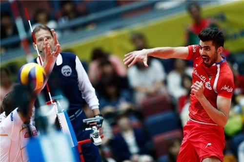 '탈아시아급' 스포츠 강국 이란…국제대회 첫 배구 메달
