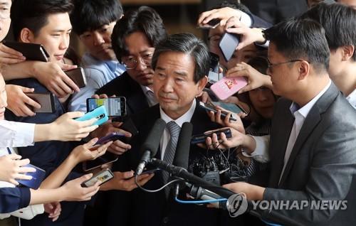 檢, 하성용 '위장회사 소유·직원 상품권 횡령' 의혹 수사(종합)