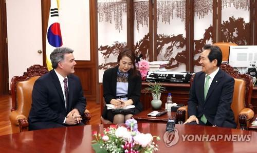 """美동아태소위원장 """"中, 한국 대신 북한에 조준 사격해야"""""""