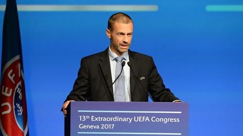 """메르켈 '이적료 비판'에 UEFA """"정치가 도와달라"""""""
