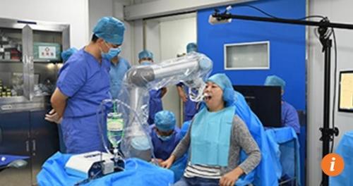로봇이 치과의사마저 대신하나…中서 첫 임플란트 시술