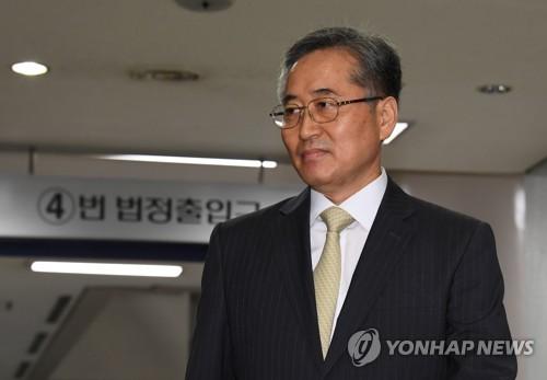 檢, 'MB국정원 정치개입 의혹' 추명호·신승균 자택 압수수색(종합)