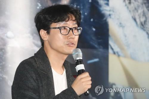 """'남한산성' 황동혁 감독 """"380년전 과거 통해 현재를 고민하길"""""""
