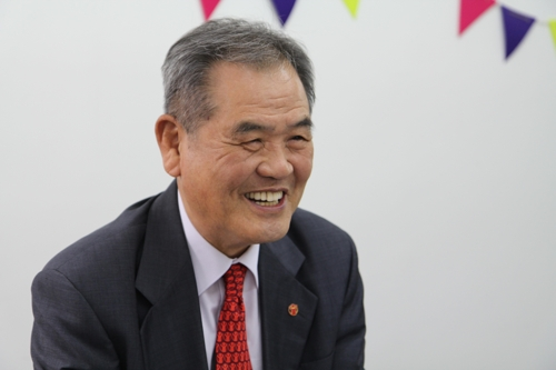 """[인터뷰] 김노보 세이브더칠드런 이사장 """"혼자만 행복할 수는 없다"""""""