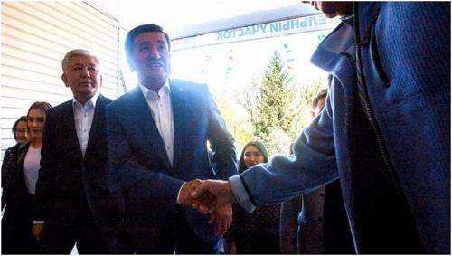 중앙아 키르기스 대선서 소론바이 제엔베코프 당선 확실시