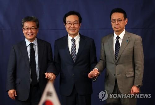 """이도훈 6자수석 """"평화적 상황 관리, 한미일 공통입장""""(종합)"""