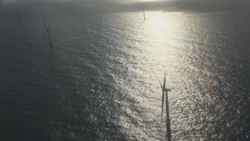 영국서 세계 최초 부유식 해상풍력발전 가동…깊은 수심 극복(종합)